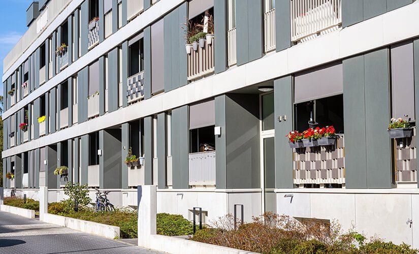 ESTIMER-modern-row-apartment-houses-9ESNXD2